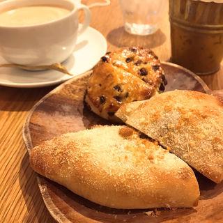 レッドキドニーカレーパン/チョコレートスコーン(トラスパレンテ (TRASPARENTE))
