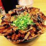 大豚丼(炭焼豚丼 豚野郎 (ぶたやろう))