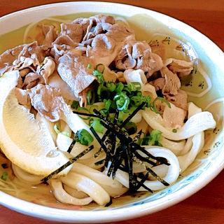 オリーブ豚ぶっかけ冷(三好うどん)