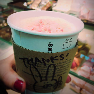 さくらラテ(スターバックス・コーヒー 銀座マロニエ通り店 (Starbucks Coffee))