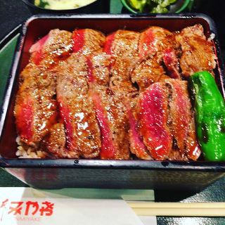ステーキ重 肉大盛り(本みやけ 阪急三番街店 (ほんみやけ))