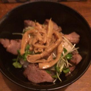 ミニ ロースト豚丼(フスマにかけろ中崎壱丁)