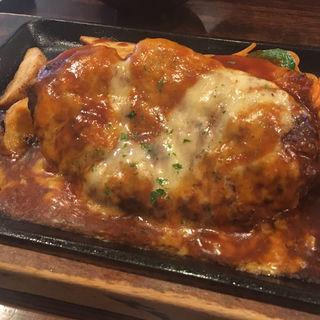 チーズハンバーグ(ライス味噌汁付)(キッチンマカベ)