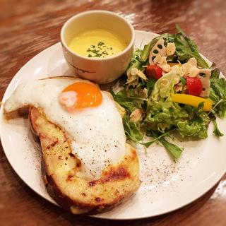 クロックマダムサラダ(ア・ラ・カンパーニュ 博多店 (a' la campagne ))