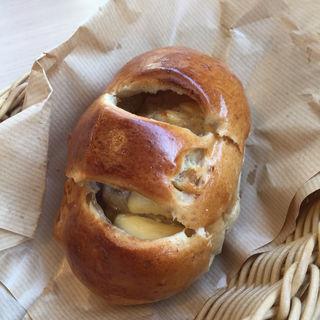 クリームチーズ入りくるみパン(アリンコベーカリー )
