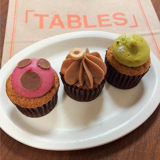 デミタス・カップケーキ(タブレスカフェ (TABLES CAFE))