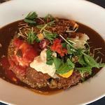 季節の野菜カレー 三元豚カツ+カキフライ+温泉卵+特製トマト(太陽カレー)