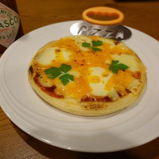 三種のチーズピザ(呑みどころ 逢月-Houzuki-)
