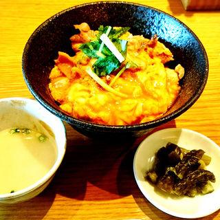 親子丼 並(かしわ屋源次郎 JR博多シティアミュプラザ)