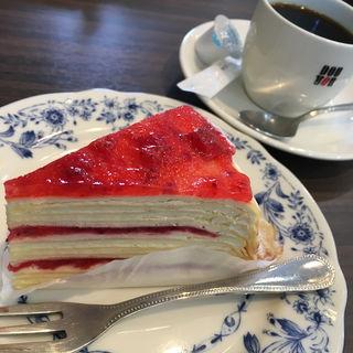 苺とマスカルポーネのミルクレープ(ドトールコーヒーショップ 都城M'sガーデン店)