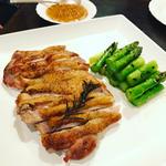 阿波尾鶏とグリーンアスパラガスのグリル