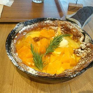 ごろごろ果実の蜂蜜パンケーキ(RAMO FRUTAS CAFE)