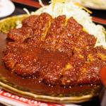 名物 わらじとんかつ定食 (単品1296円)