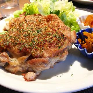 グルメチキンランチ(cafe&dining okatte)