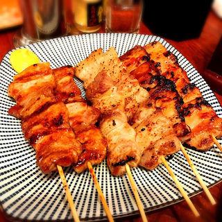 国産豚バラ串(タレ)(博多うどん酒場イチカバチカ)
