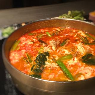 ユッケジャン定食(韓国料理 土火土火)