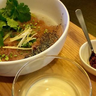 生ハムとパクチーの豆乳粥(テディアンドダディ )