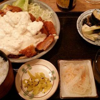 鶏カツ南蛮と水なすの浅漬け定食