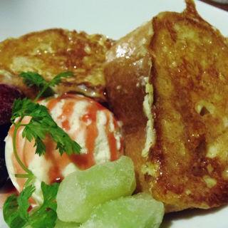 鉄板焼きフレンチトースト(鉄ペー )