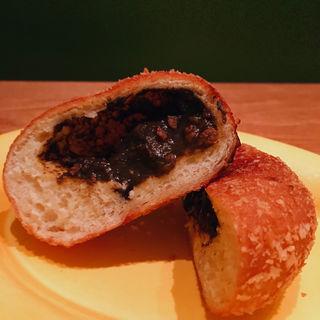 牛すじとごぼうの揚げカレーパン(オレノ パン オクムラ 祇園店 (ORENO PAN okumura))