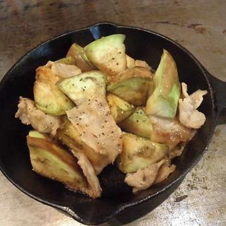 翡翠ナスと豚肉のポン酢炒め(下町のお好み焼き 昌 )