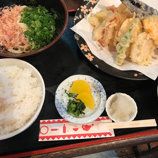 剣先イカ天ぷら定食(味加味 (みかみ))