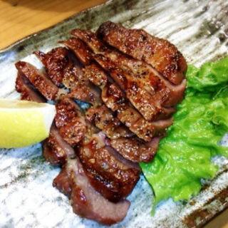 厚切り牛タン炭火焼き(遊食館 えん家)