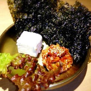 クリームチーズとチャンジャのカナッペ風(KOREAN DINING ミリネ)