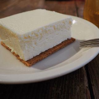 チーズケーキ(メゾン イー (Maison YWE))