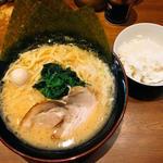 豚骨醤油ラーメン(一刀家 )