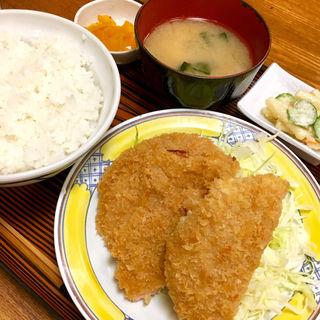 ハムカツ定食(つるかめ食堂 歌舞伎町店 (つるかめしょくどう))