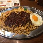 黒キーマカレー焼きスパ