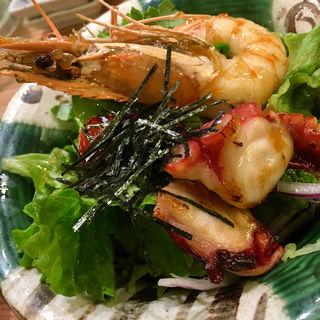 海鮮魚助サラダ(長浜鮮魚卸直営店 博多 魚助)