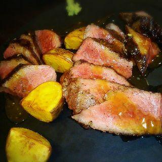 A4白老和牛モモ肉のロースト グリンペッパーソース(Agora sapporo (アゴーラ サッポロ))