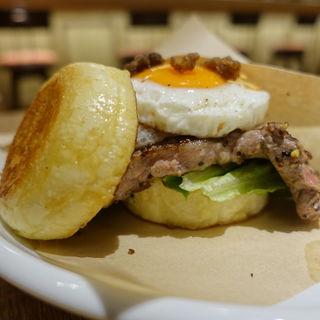 French Steak Burger(IRON PLATE CAFÉ Sapling)