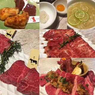 コース料理とカルビ盛合せ(エイジング・ビーフ TOKYO 新宿三丁目店 )