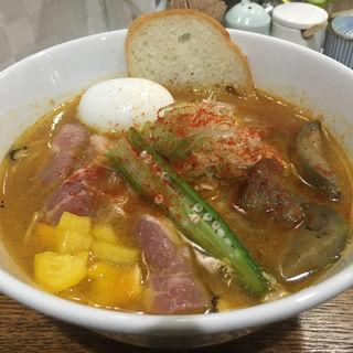 やさしいスパイシーカレーらぁー麺(真鯛らぁー麺 日より)