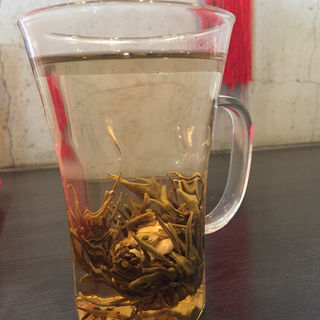 花茶 (茉莉仙女)(弄堂 生煎饅頭 南森町店 (ロンタン センチェンマントウ))