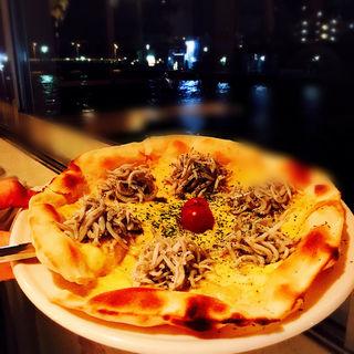 江ノ島しらすのピザ(ディエゴ・バイ・ザ・リバー (DIEGO BY THE RIVER))