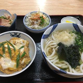 丼どん定食(小梅庵 )