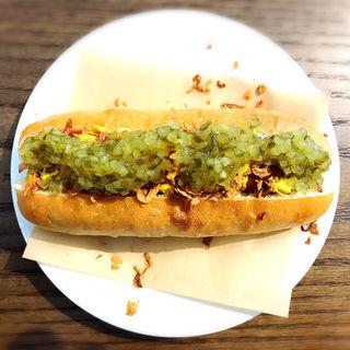 スモークソーセージのホットドッグ(ブレッド&バター)