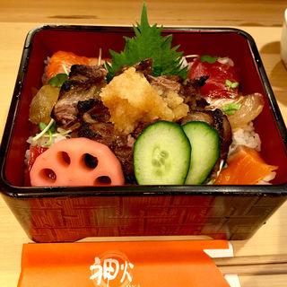トロステーキ重(神火 (すしやじんか))