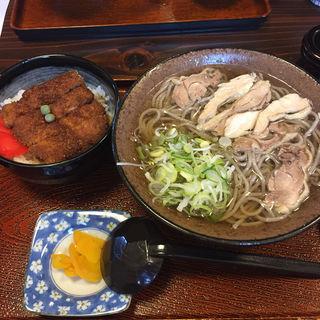肉そば(といや ほなみ分店 )