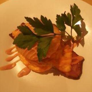 厚切りベーコンと芋もちの重ね焼き(ろく六)
