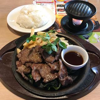 ビーフカットステーキてんこ盛り(醤油ソース)(ガスト 立川栄店 )