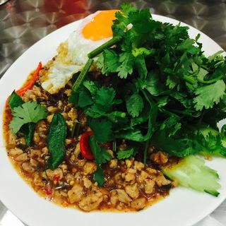 鶏挽肉ガパオ炒め 1辛 パクチー増し(アジアン食堂 Pakchee (パクチー))