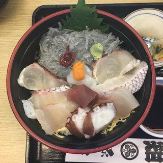海鮮生しらす丼(源平)