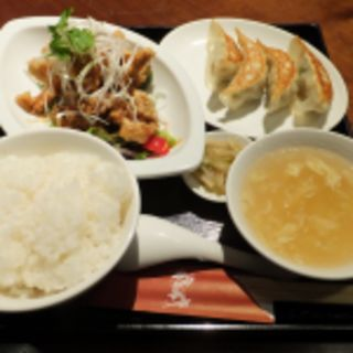 油淋鶏と餃子のセット(石庫門 川崎ダイス店)