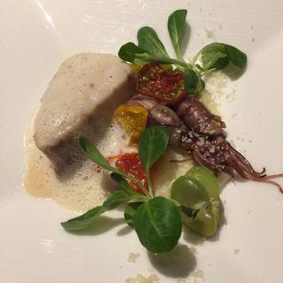 本日の魚のソテー フィノッキオのソース 空豆のリゾットと旬の蛍烏賊(リストランテASO (リストランテ アソ))