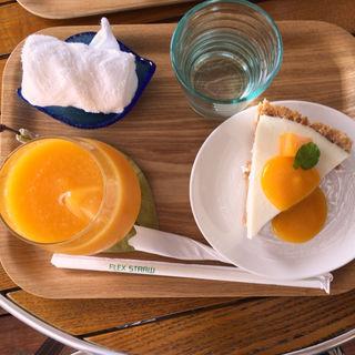 マンゴージュース&ケーキ(すくばりテラス )